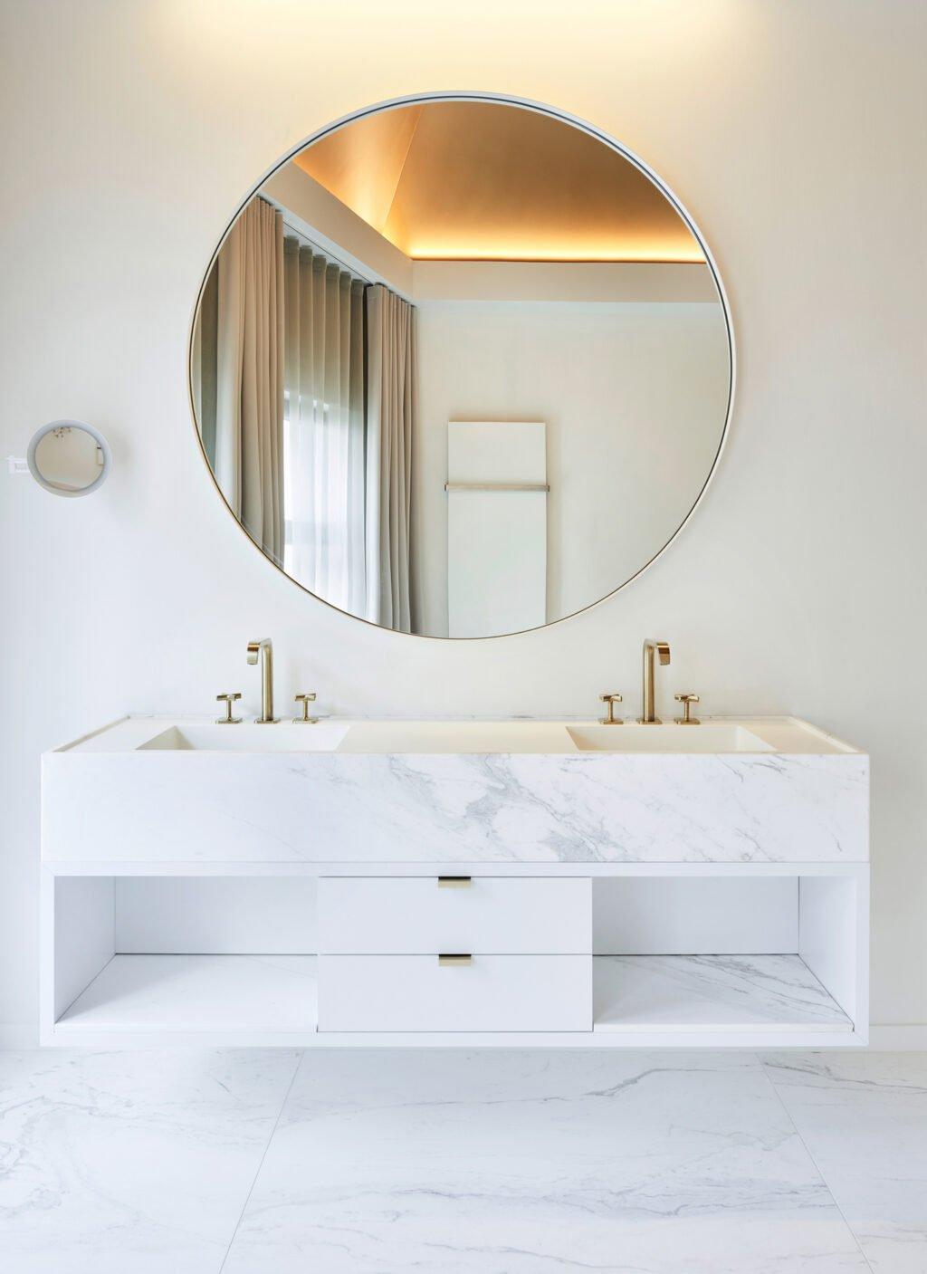 interior design bright bathroom marble white gold details big mirror