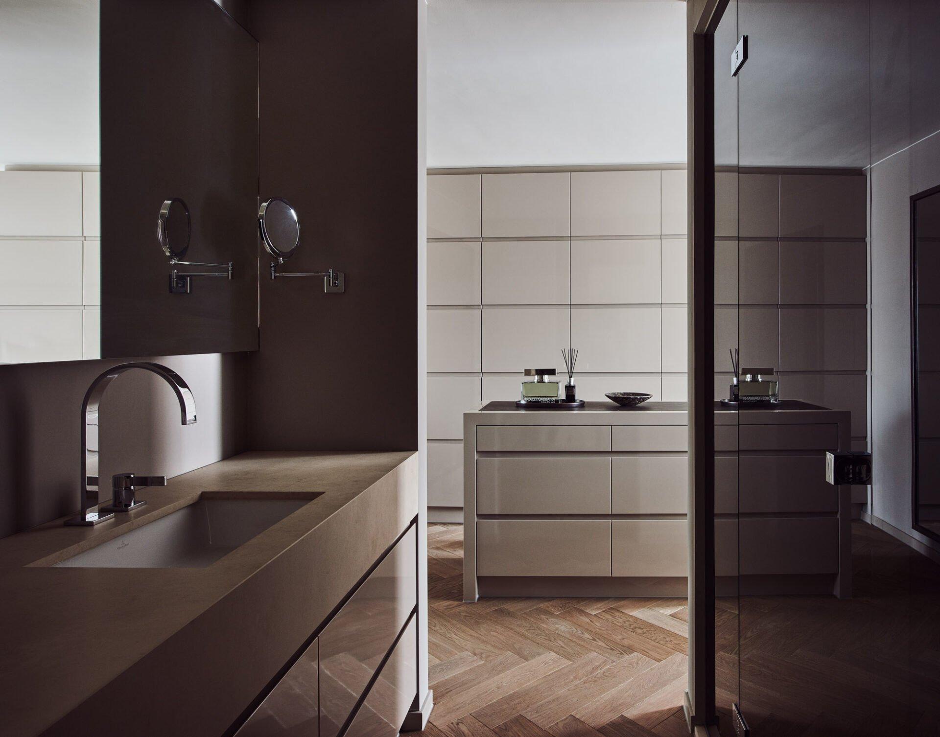 interior design beige brown bathroom luxury details