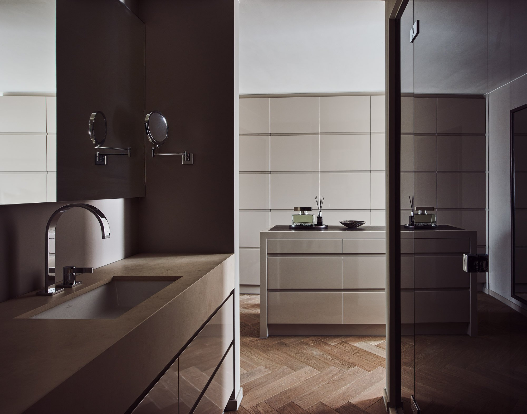 interior design beige brown bathroom luxury details